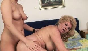 Effie receives her booty licked, eats pussy and then rides beyond the strapon dildo