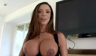 Ariella Ferrera has really impressive pubis