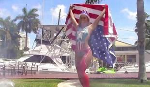 Kelsi Monroe flaunting say no to banging skills