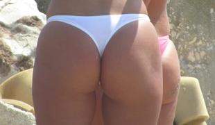 Hot Topless Amateur Teens - Voyeur Beach Photo Session