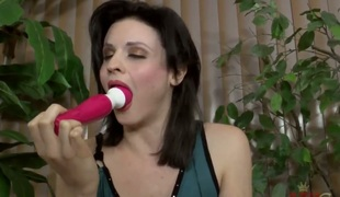 Brunette Miss Kitten is in the melody for pussy stroking - Pornalized.com fucking videoclip
