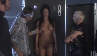 Naughty hawt ass sluttie Kirsten Pric plays with huge dongs upon hawt blowjob scene