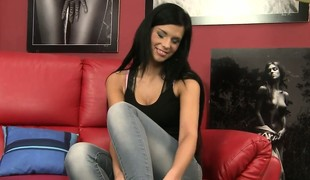 Amazing throw away chapter with talented girl Alicia that has unquestionably nice boobs