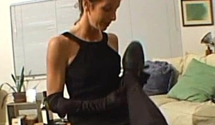 Skinny cougar with musty tits gives a orgasmic cook jerking wide a hawt homemade blow up