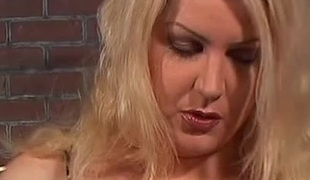 Flirty milf with a gradual pussy acquires pussy licked then screwed hardcore