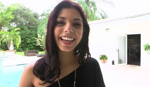 Gina Valentina pulls her legs back and acquires plowed unfathomable