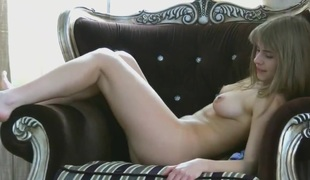 Loise is sexy and bushy in this amateur bushy movie scene
