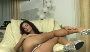 Leanna Sweet with tiny tits together with clean cunt groans as she dildos her fuck hole